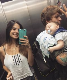 Cute Family, Baby Family, Family Goals, Couple Goals, Teen And Dad, Teen Mom, Cute Baby Pictures, Baby Photos, Cute Little Baby