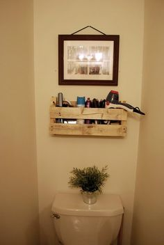 DIY: Pallet Shelf