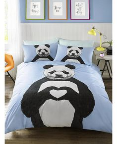 This fun Hashtag Bernie Panda single duvet cover set is perfect for any animal lovers. The duvet cover features a large illustrated style image of a panda making a heart sign with his paws, set on a pretty pale blue background.