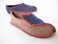 Fabulous & Comfy Happy Feet Unlike Anything Else! - DIY Joy