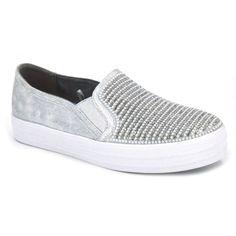 Skechers Double Up Shiny Dancer 801 Zapatillas deportivas de estilo bambas para mujer hechas con materiales textiles. Zapatillas urbanas estilo slip-on con elásticos para que tengamos un calce rápido y fácil. Comodos y con un diseño rompedor. Brillantes en la pala. Plantilla interna acolchada y suela externa sintética.