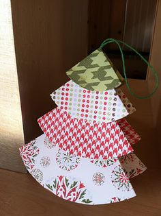 Christmas craft: Paper Christmas Tree Ornaments