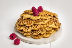 Sunne vafler Norwegian Food, Waffles, Food Porn, Pudding, Baking, Yummy Yummy, Breakfast, Norway, Tailgate Desserts