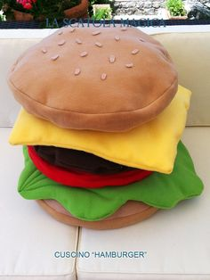 This pillow is a piece of housewares unique and inimitable! (Beware of imitations!) The pillow has a fun shape of a tasty hamburger and is made