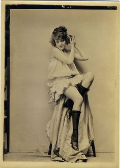 Photo by Charles Gates Sheldon, 1920s. (this outfit is adorable.)
