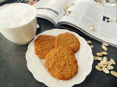 Recept» Bezlepkové sušenky z burákového másla a kokosu - Mámou stylově Cooking Cookies, Peanut Butter Cookies, Healthy Eating, Breakfast, Fitness, Drink, Morning Coffee, Soda, Eating Healthy