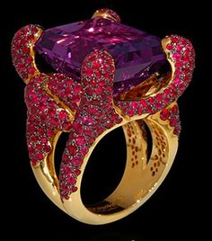 "Mousson Atelier New Age Collection """"Iguana"""" Gold 750 Amethyst and Ruby Ring featuring 27.38ct Amethyst and 8.36ct Ruby; 24.19g total weight"