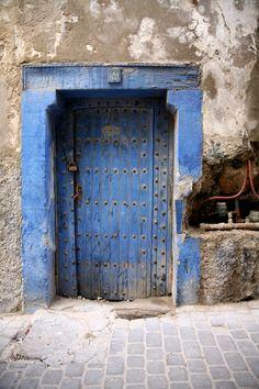 Doors Around the World: Pamplona, Spain Cool Doors, Unique Doors, Pamplona Spain, Portal, Moroccan Doors, Open Door Policy, Door Images, Blue Words, Brick Texture