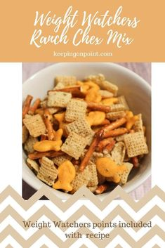 Ranch Chex Mix - Weight Watchers - only 3 points per serving for blue, green and purple! Weight Watchers Snacks, Weight Watcher Dinners, Trail Mix Recipes, Snack Mix Recipes, Ww Recipes, Snack Mixes, Recipe For Chex Mix, Skinny Recipes, Healthy Chex Mix