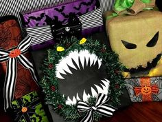 Nightmare Before Christmas wrapping ideas **Not mine just saving for inspiration** Nightmare Before Christmas Merchandise, Nightmare Before Christmas Decorations, Nightmare Before Christmas Halloween, Christmas Party Decorations, Halloween Christmas, Diy Halloween Decorations, Christmas Projects, Halloween Crafts, Holiday Decor