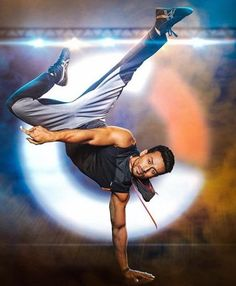 Tiger Shroff Body, Tiger Dance, All About Tigers, Ram Photos, Wax Statue, Handsome Celebrities, Tiger Love, Actor Picture, Stylish Boys