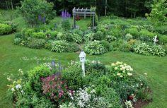 Aiken House & Gardens: Summer on the Porch