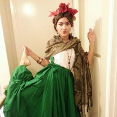 Pin for Later: 47 Last-Minute Halloween Costumes That Won't Get You Fired Frida Kahlo What You'll Need: A white shirt, a green maxi skirt, a tan scarf, and red flowers in your hair. Don't forget those statement jewels.