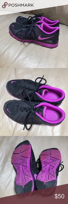 Shoes Nike sneakers. Worn several times. Perfect condition. I take great care of my things. They look brand new! Nike Shoes Sneakers