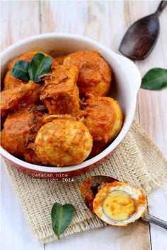 TELUR & TAHU BUMBU BALI - Boiled egg and tofu coated with Balinese spice