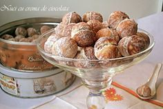 Nuci cu crema de ciocolata Romanian Food, Romanian Recipes, Truffles, Biscuits, Muffin, Good Food, Food And Drink, Sweets, Bread