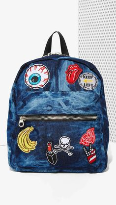 Give your backpack the spotlight. rn