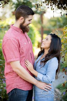 Couple portraits, height difference, photo ideas, engagement photography