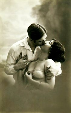 The 'magical' kiss, that makes a woman 'want' to take her clothes off...