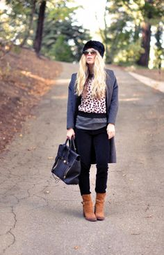 Black, Brown, & Gray : Cozy but Chic Fall Outfit