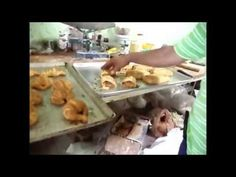Niño Embuelto (Receta) Pan Dulce variedad de la masa de concha - YouTube