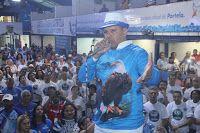 """BLOG ÁLVARO NEVES """"O ETERNO APRENDIZ"""" : O CORPO DO PRESIDENTE DA ESCOLA DE SAMBA PORTELA MARCOS FALCON É VELADO NA QUADRA DA ESCOLA"""