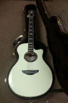 Yamaha APX-20 Accoustic Guitar