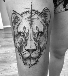 Tatuagem feita por Ricardo da Maia de Curitiba. Tigre em preto e cinza. #tattoo #tatuagem #tatuaje #art #arte #tattoo2me #blackwork #sketch