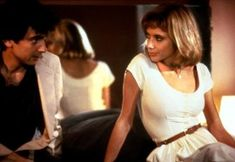 "Paul Hackett (Griffin Dunne): ""Boy, I'm sorry. I guess I've really been runnin' you through the mill tonight."" // Marcy (Rosanna Arquette): ""It's okay, I'm used to it."" -- from After Hours directed by Martin Scorsese 80s Movies, Cinema Movies, Cult Movies, Series Movies, Movies To Watch, I Movie, Isabelle Huppert, Martin Scorsese, Christopher Nolan"