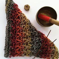 Cowl, Fancy, Elegant, Knitting, Hair Styles, Crochet, How To Make, Handmade, Crafts