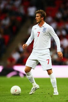 Liverpool Fc Wallpaper, England International, Messi And Ronaldo, Football Love, Different Sports, Sports Stars, David Beckham, Soccer Players, Manchester United