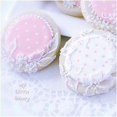 Dotted Swiss Cookies