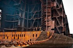 Karachi: Three labourers die at Gadani ship-breaking yard Marine Archaeology, Stormy Waters, Ship Breaking, Scale Model Ships, Power Motors, Oil Tanker, Abandoned Ships, Tug Boats, Sailing Ships