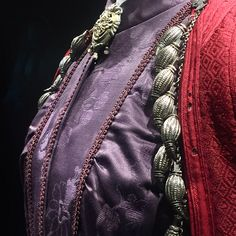 A wonderful collection and amazing presentation of traditional Greek clothes Henry Miller, Passionate People, Folk Art, Greece, Weaving, Presentation, Costumes, Embroidery, Traditional