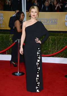 Claire Danes rocks the dark lip