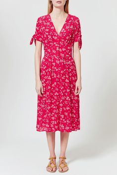 (rouje floral midi dress) omg!! i have a vintage dress that looks SO much like this!!!!!