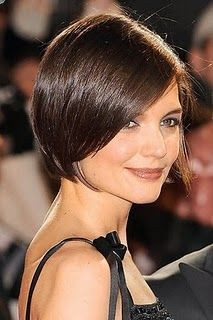 I love Katie Holmes' sleek short hair style...i am thinking about getting my hair cut like this....what do u think? ;-)