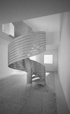 ¿Qué opinan de esta fotografía?   #Interiores #Vintage #Escaleras #Diseño