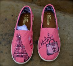 Our TOMS shoes plus your creativity, you will create one pair of shoes belong to your unique toms: got to do my own! Love these.