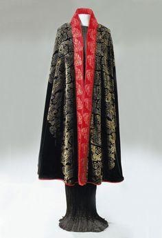 Gallenga stenciled velvet cape, 1920s.