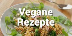 Hühnersuppe schmeckt auch ohne Huhn - und ohne Erkältung! Wir haben ein Rezept für eine vegane Hühnersuppe mit entzündungshemmender Wirkung für dich.