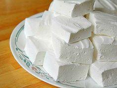 ДОМАШНИЙ ЗЕФИР.  Низкокалорийный десерт, который содержит всего 80 ккал на 100 гр, легко приготовить самостоятельно. Кроме того что такая сладость не навредит фигуре, она еще и безумно вкусная!  Какие продукты понадобятся: Показать полностью…