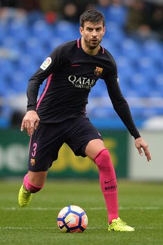 Gerard Pique of FC Barcelona in action during the La Liga match between RC Deportivo La Coruna and FC Barcelona at Riazor Stadium on March 12, 2017 in La Coruna, Spain.