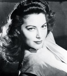During the 1940s eyeliner was rarely worn, women were more focused on creating a matte red lip