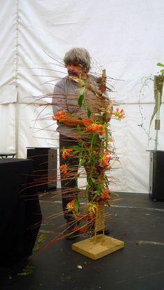 me ~ Gregor Lersch Flower Room Decor, Flower Decorations, Flower Show, Flower Art, Ikebana, Gregor Lersch, Cascade Design, Flora Design, Modern Flower Arrangements