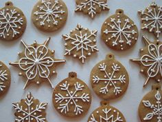 snowflakes on gingerbread