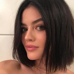Guess What Lucy Hale Did to Her Hair Now? Over the weekend, Lucy Hale dropped a bombshell on us. Lucy Hale Haircut, Lucy Hale Short Hair, Lucy Hale Blonde, Short Black Hairstyles, Bob Hairstyles, Straight Hairstyles, Short Haircuts, Hairstyles Pictures, Haircut Short