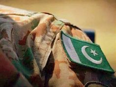Image in Pakistan Zindabad ☪🇵🇰 collection by Aıshā ツ Army Love Quotes, Pak Army Quotes, Pakistan Flag Wallpaper, Military Beret, Pak Army Soldiers, Army Pics, Pakistan Independence Day, Pakistan Armed Forces, Boys Dps