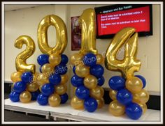 Ballonpilaren met Folieballon Cijfers of letter. De ballonpilaren kunnen we kant en klaar bezorgen maar de folieballonnen letters en cijfers zijn ook los te bestellen via onderstaande link. http://www.ballonartikelen.nl/?textsearch=Numbers,+Plain&category_type=Foil+Balloons&categoryname=Numbers+Foil+Balloons