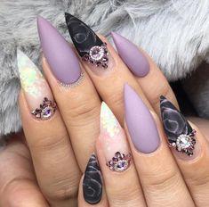 Goth Nail Art, Goth Nails, Lace Nail Art, Lace Nails, Metallic Nails, Silver Nails, Purple Nails, Stiletto Nails, Garra